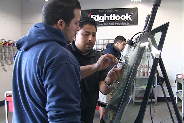 Rightlook Windshield Repair Student Gallery 12